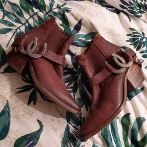 Free People Understated Leather Lady luck booties